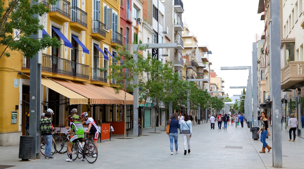 Granollers toont straten en ook een grote groep mensen