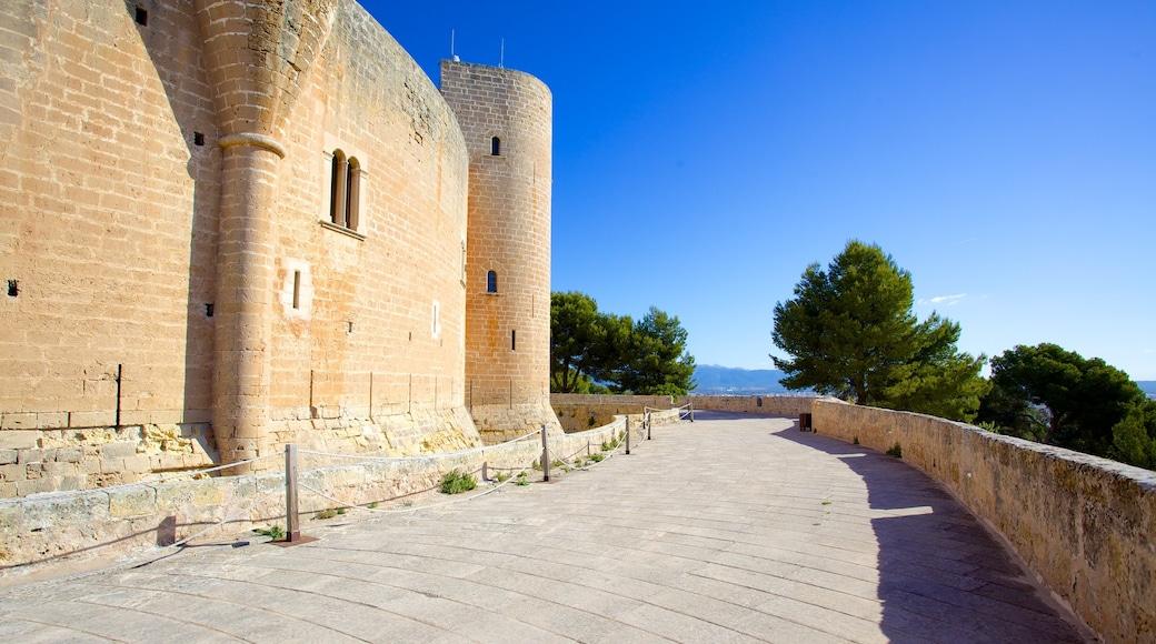 Bellverin linna joka esittää linna ja vanha arkkitehtuuri
