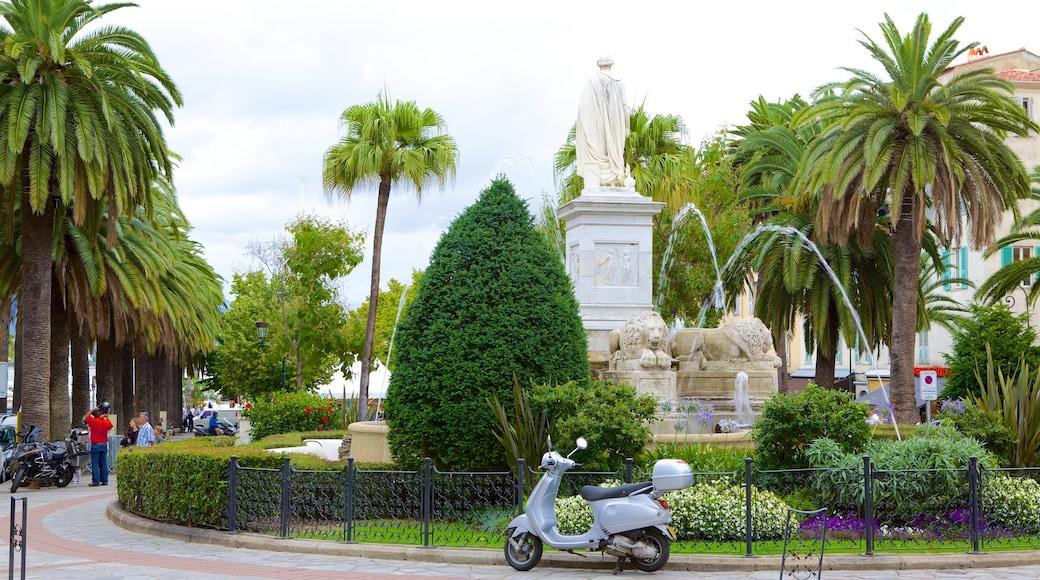 Place Foch qui includes scènes de rue, statue ou sculpture et fontaine