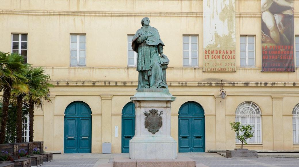 Musée Fesch qui includes statue ou sculpture