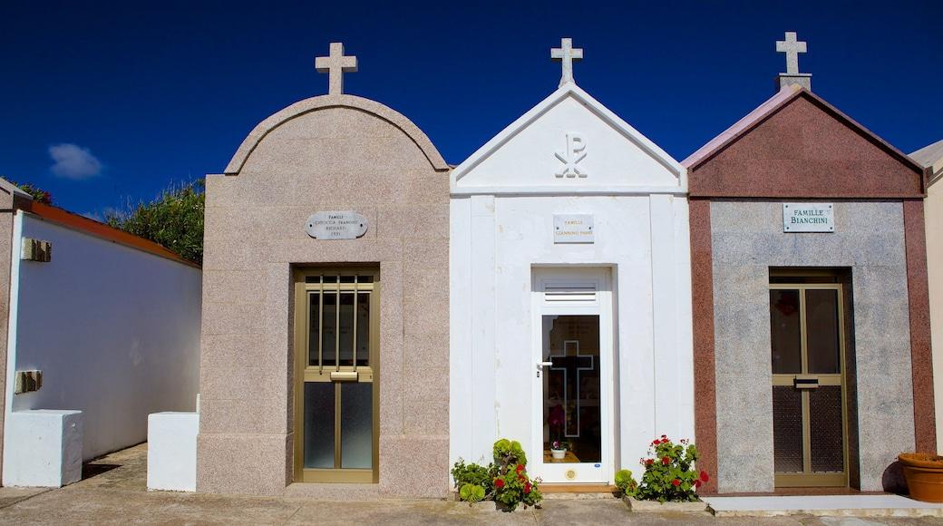 Cimetière marin mettant en vedette cimetière et scènes de rue
