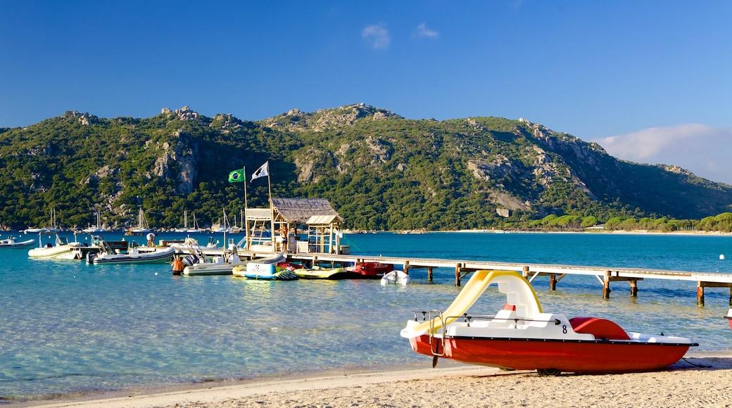 Plage de Santa Giulia mettant en vedette baie ou port et vues littorales