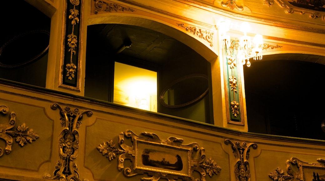 Teatru Manoel welches beinhaltet Innenansichten, Theater und historische Architektur