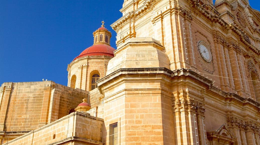 Kirche in Mellieha das einen historische Architektur, Kirche oder Kathedrale und religiöse Elemente