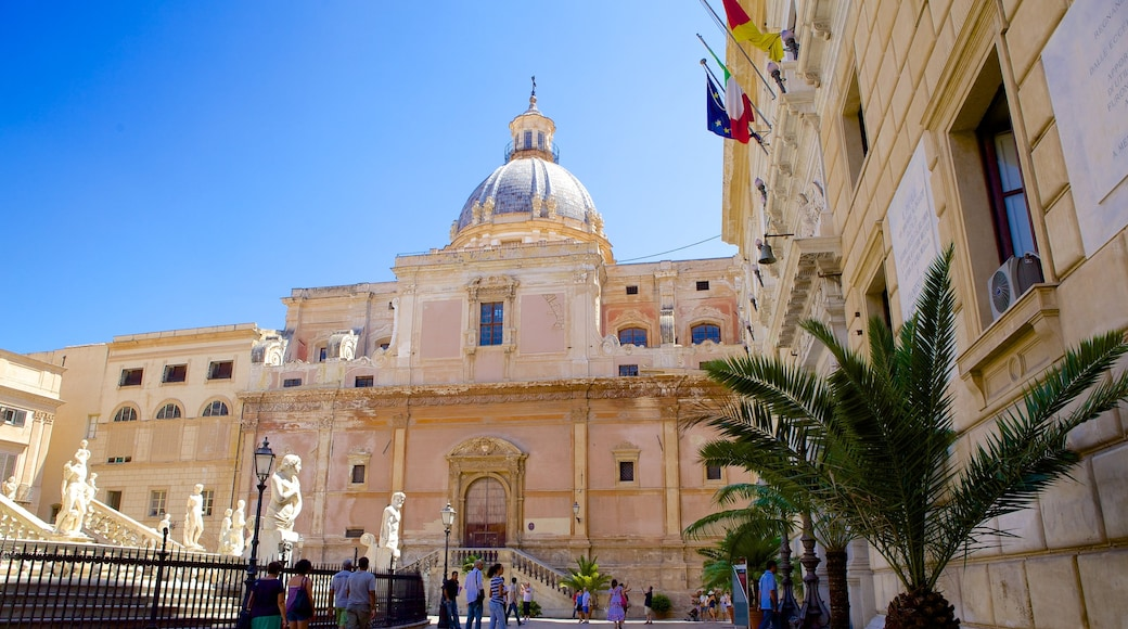 Palermo showing heritage architecture, a square or plaza and a church or cathedral