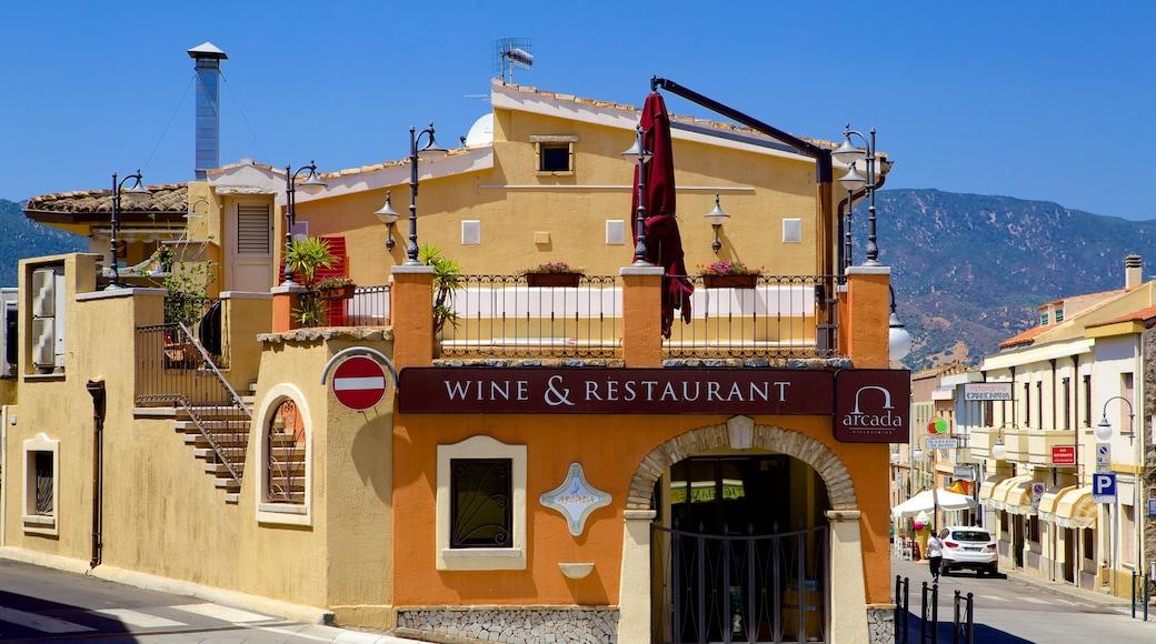 Cagliari - Villasimius - Cerdeña sur mostrando escenas urbanas