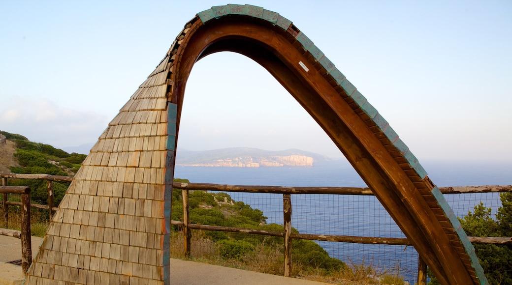 Capo Caccia ซึ่งรวมถึง ศิลปะกลางแจ้ง และ ชายฝั่งทะเล