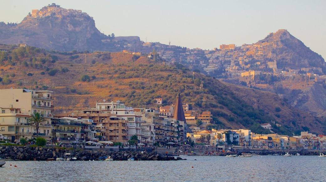 Giardini Naxos featuring a coastal town