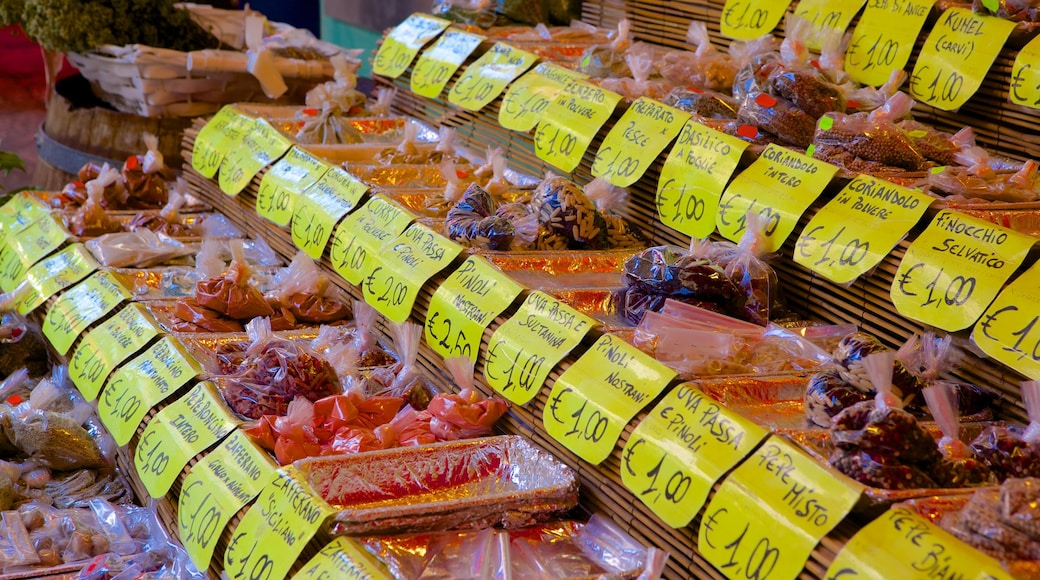 Il Capo Market showing food