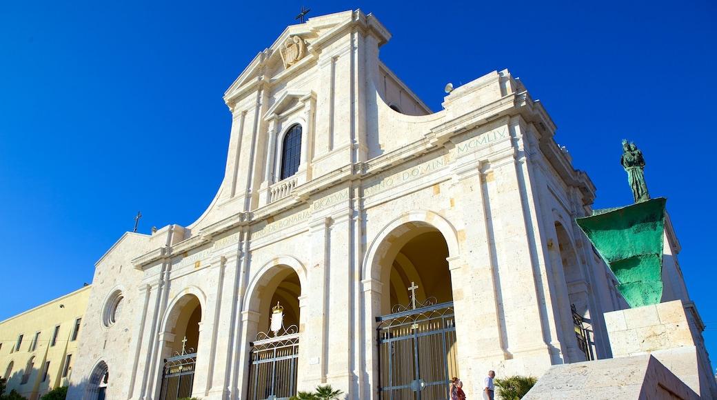 Sanctuaire Notre-Dame-de-Bonaria montrant église ou cathédrale, patrimoine architectural et éléments religieux