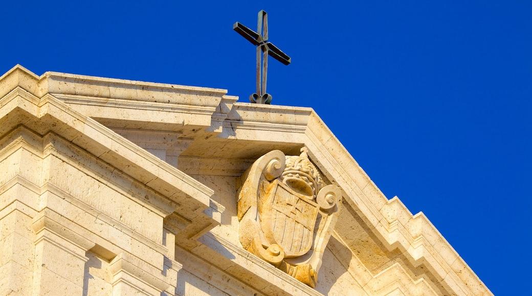 Sanctuaire Notre-Dame-de-Bonaria montrant église ou cathédrale, patrimoine architectural et aspects religieux