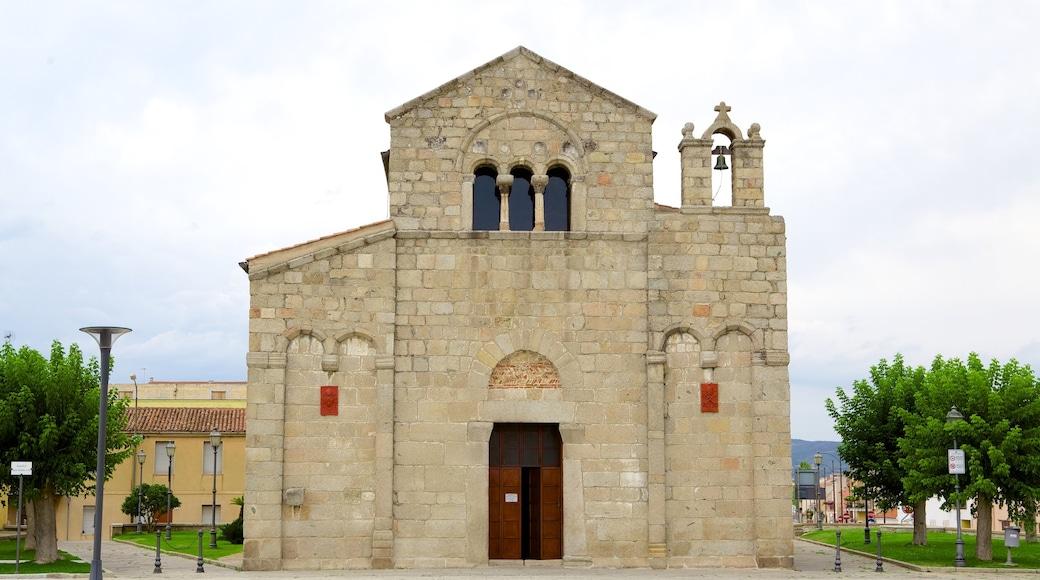Basílica de San Simplicio ofreciendo elementos religiosos, una iglesia o catedral y patrimonio de arquitectura