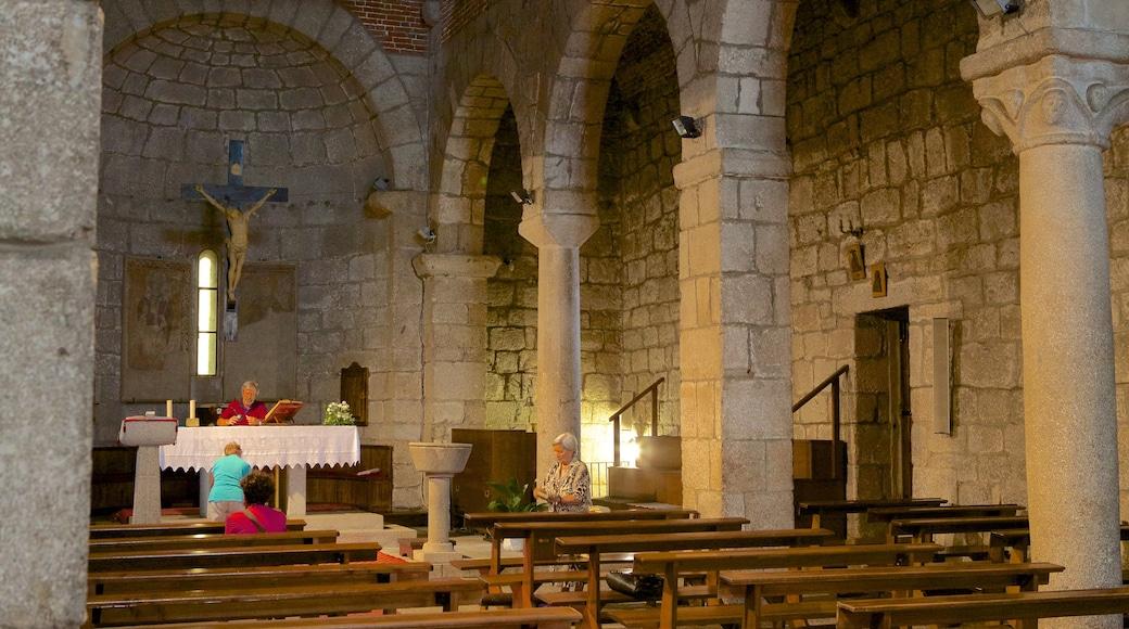 Basílica de San Simplicio mostrando patrimonio de arquitectura, vistas interiores y una iglesia o catedral