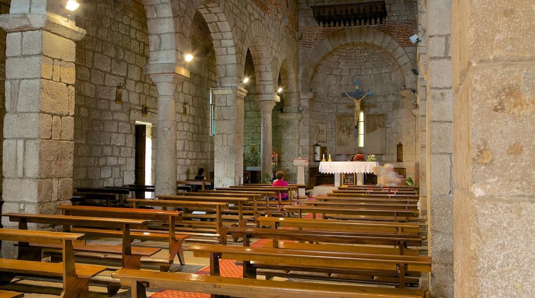 Basílica de San Simplicio que incluye patrimonio de arquitectura, vistas interiores y aspectos religiosos