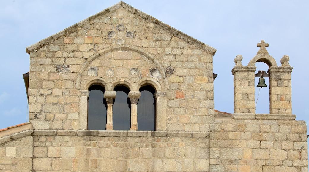 Basílica de San Simplicio que incluye patrimonio de arquitectura, una iglesia o catedral y aspectos religiosos