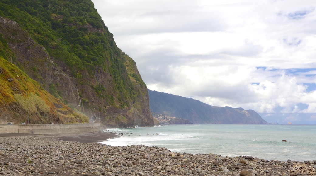 Sao Vicente showing landscape views and a pebble beach
