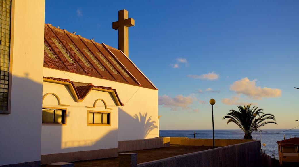Paul do Mar toont religieuze aspecten en een kerk of kathedraal