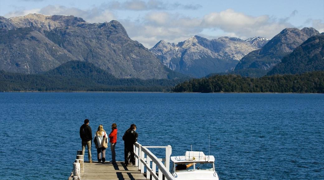 Parque Nacional Nahuel Huapi ofreciendo montañas, un lago o espejo de agua y vista panorámica