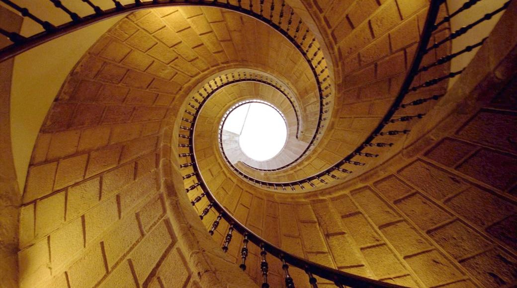 Santiago de Compostela showing interior views
