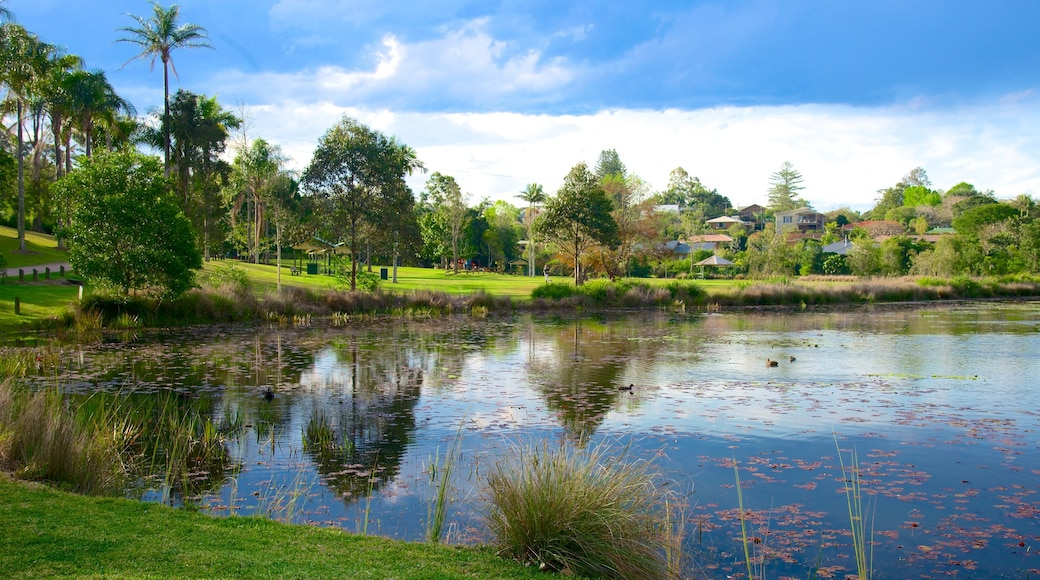 Mapleton which includes a lake or waterhole, a park and wetlands