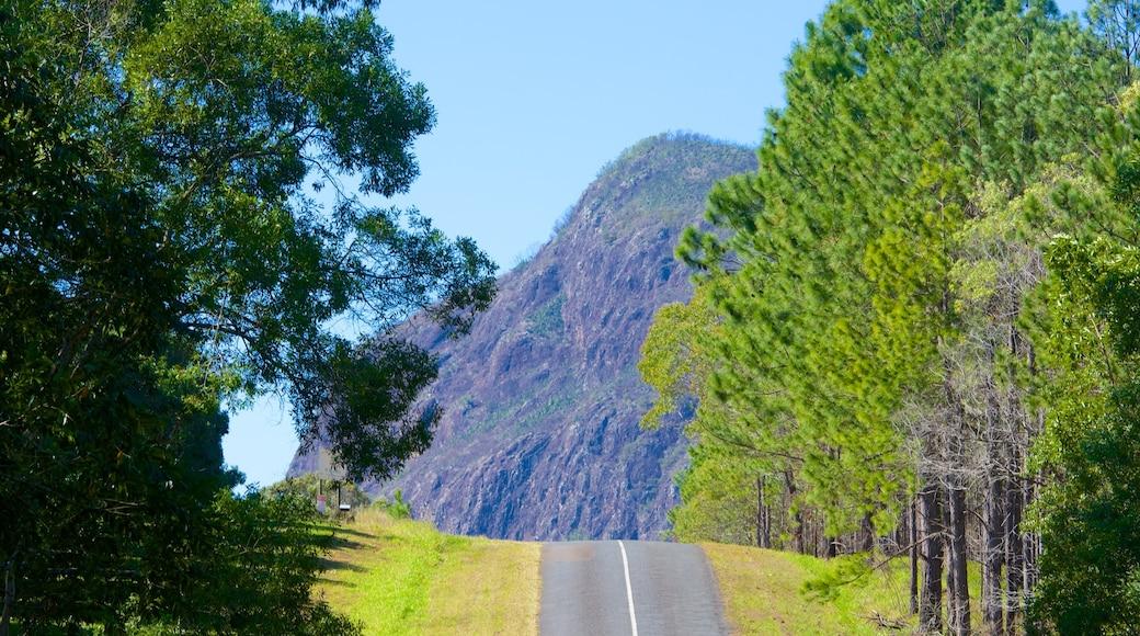 Glasshouse Mountains National Park das einen ruhige Szenerie