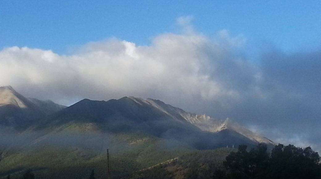 Buena Vista showing mountains and mist or fog
