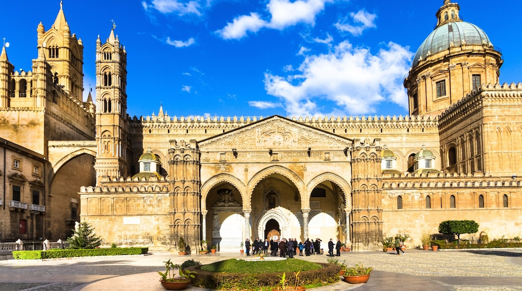 Palermo which includes a church or cathedral, a square or plaza and heritage architecture