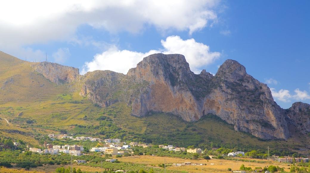 Provinz Trapani mit einem Farmland und Berge