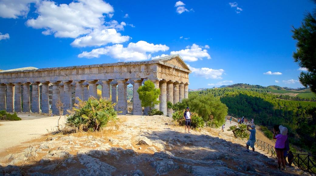 Griechischer Tempel von Segesta welches beinhaltet Geschichtliches, historische Architektur und Gebäuderuinen