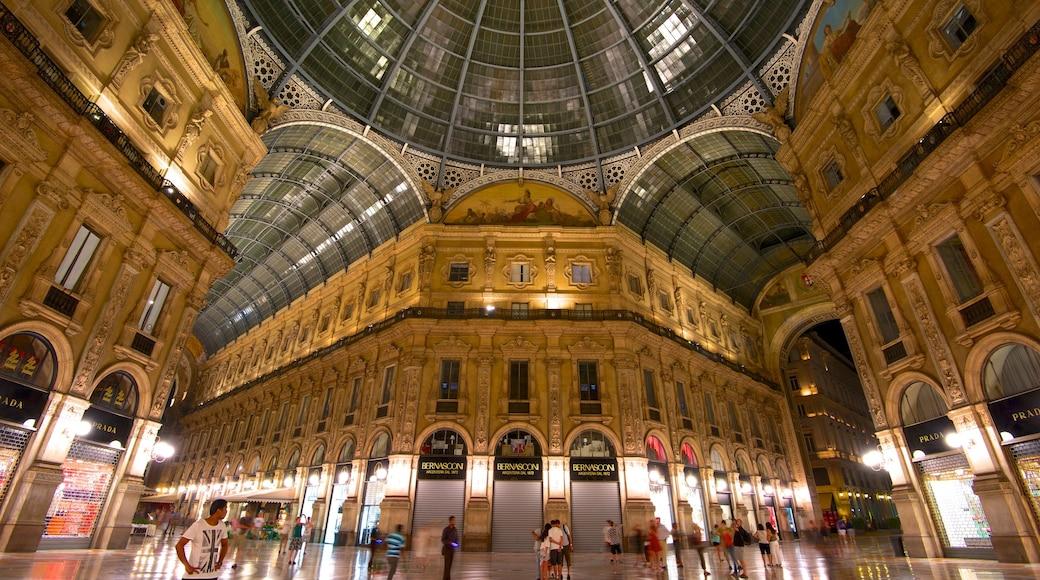 Galleria Vittorio Emanuele II which includes heritage architecture, interior views and shopping