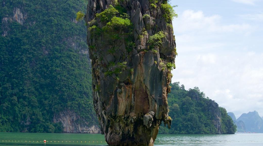 พังงา แสดง ชายฝั่งหิน และ รูปเกาะ