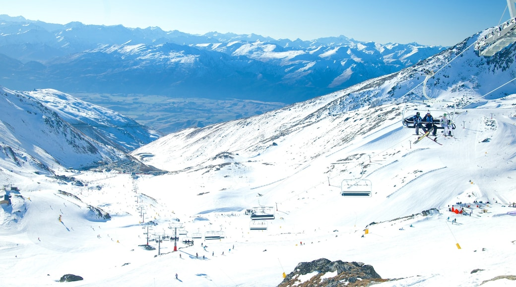 The Remarkables Ski Area which includes a gondola, landscape views and snow