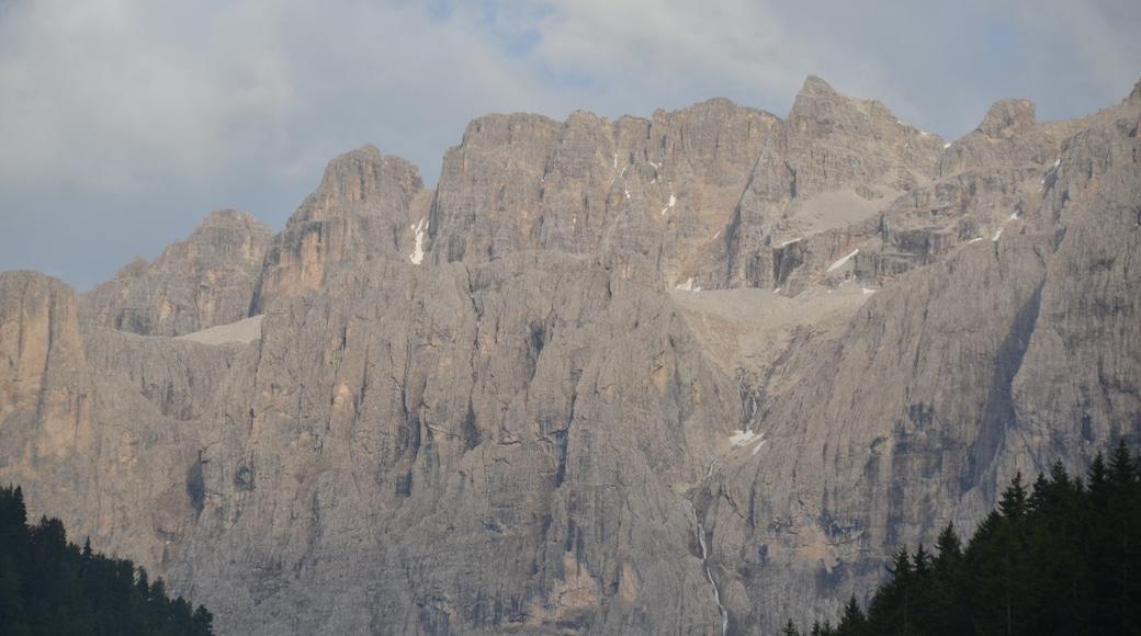 Skigebiet Ciampino-Sella welches beinhaltet Berge