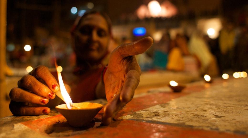 Varanasi som viser religiøse elementer