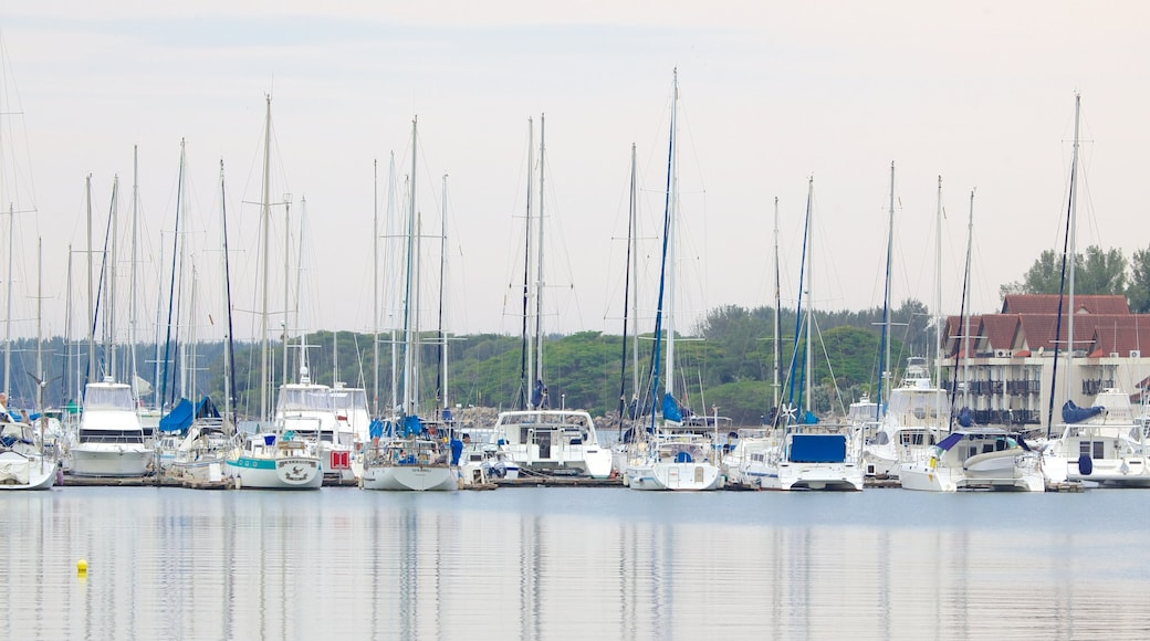 Richards Bay mit einem Marina und allgemeine Küstenansicht