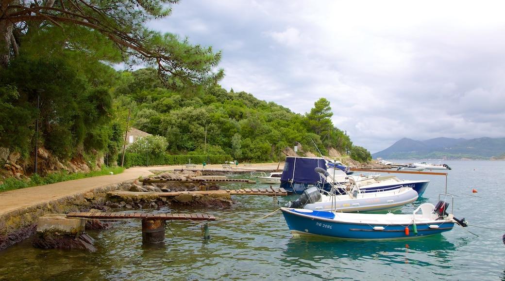 Lapadin ranta featuring veneily ja lahti tai satama