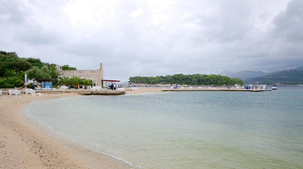 Copacabana Beach which includes a sandy beach