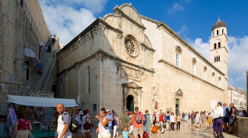 Chiesa del Redentore mostrando strade e chiesa o cattedrale