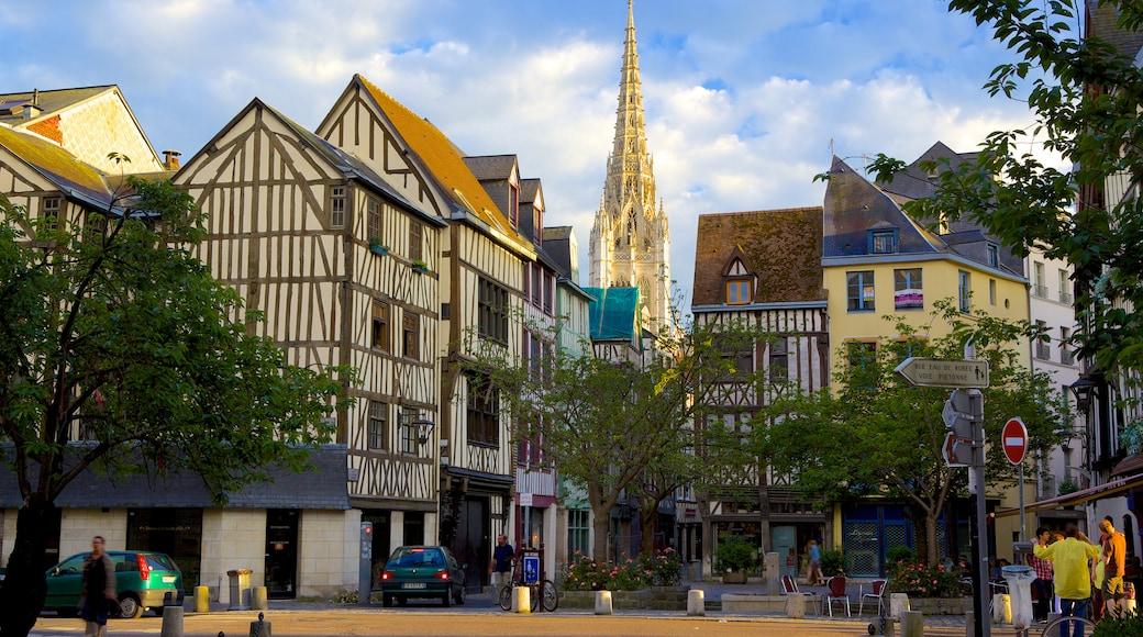 Rouen mettant en vedette patrimoine architectural et petite ville ou village