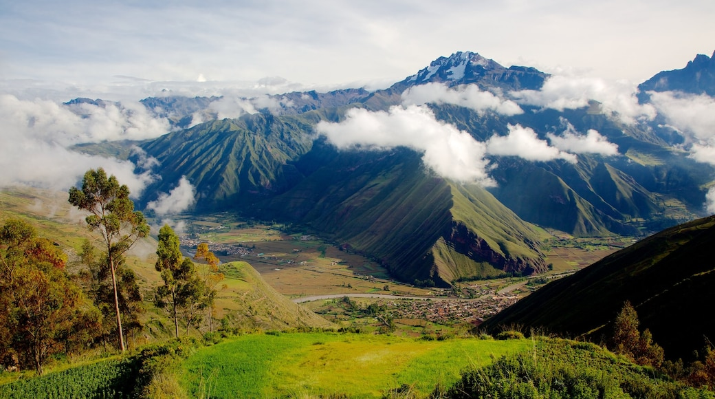 Urubamba showing mountains, tranquil scenes and landscape views