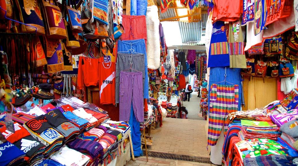 Cusco caracterizando vistas internas, compras e mercados
