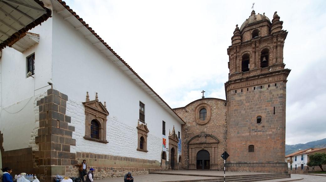 Cuzco - Machu Picchu welches beinhaltet historische Architektur und Kirche oder Kathedrale