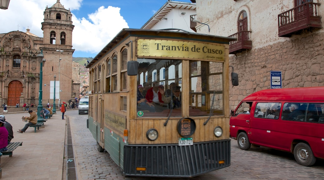 Cuzco ofreciendo escenas urbanas y una ciudad