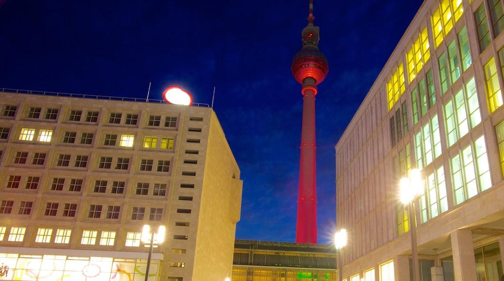 Torre de la Televisión que incluye una ciudad