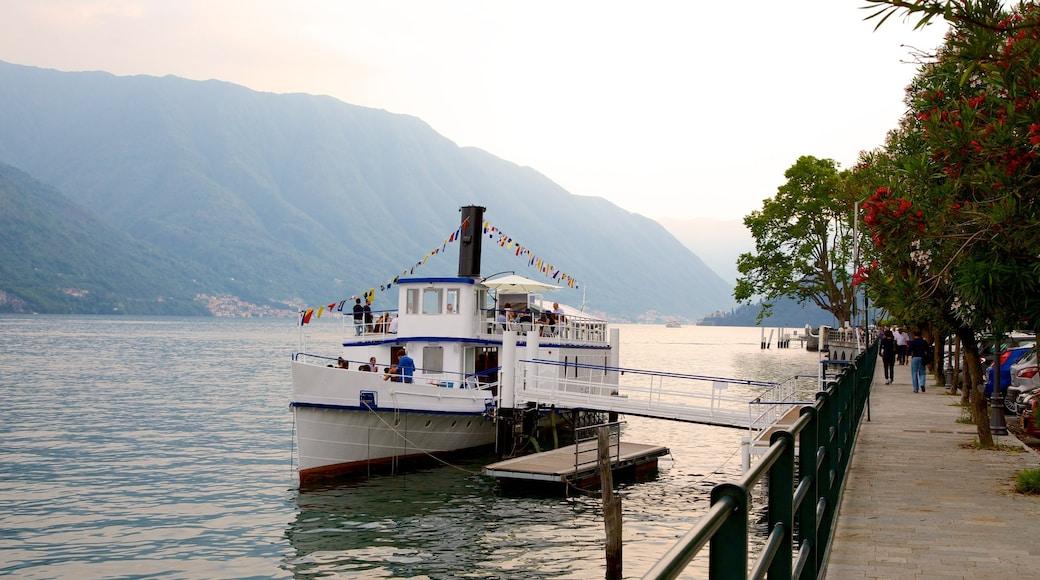 Villa Carlotta caratteristiche di vista della costa, traghetto e baia e porto