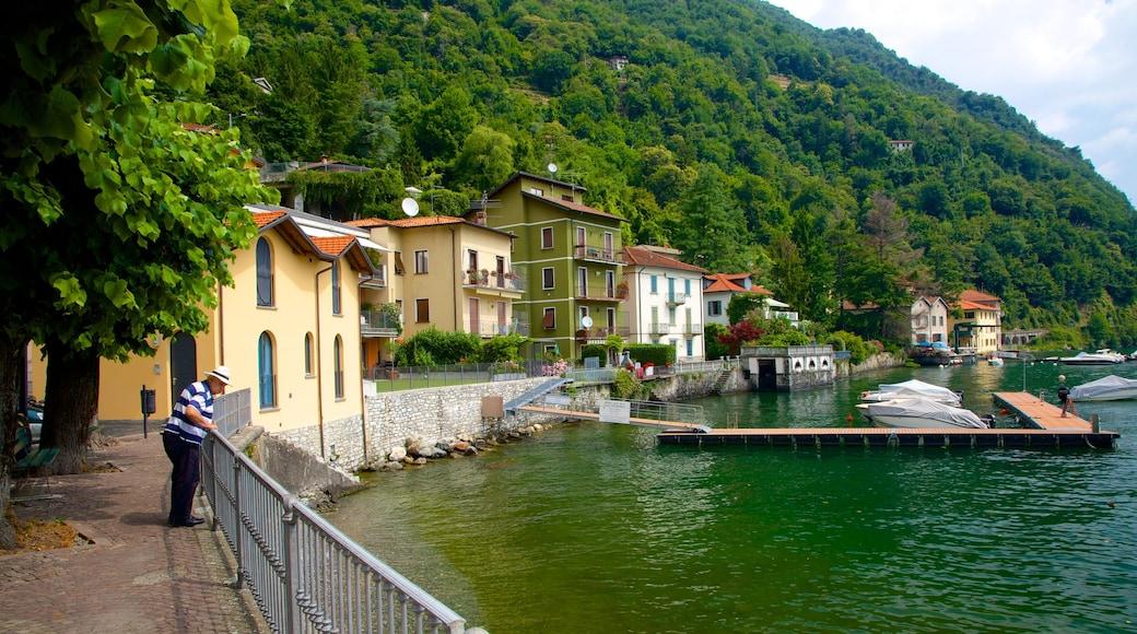 Argegno mit einem Marina, Küstenort und Haus