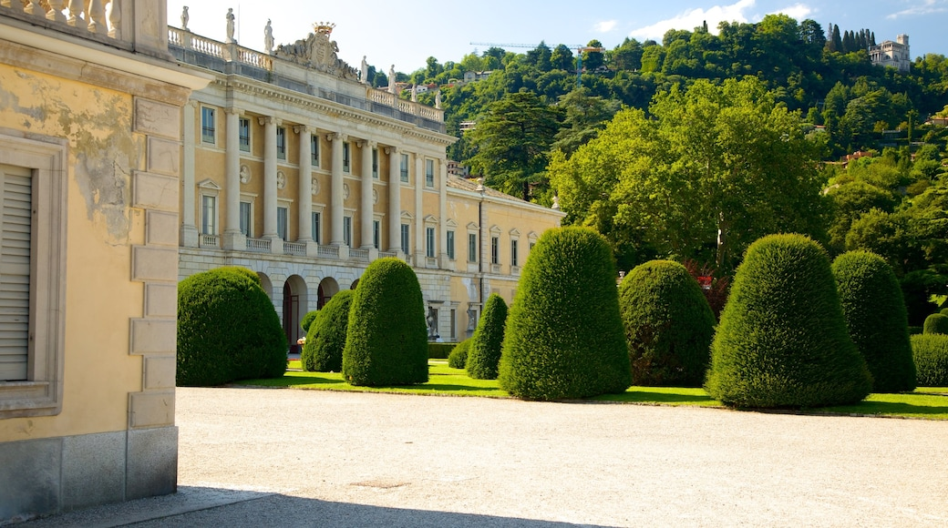 Villa Olmo featuring château or palace, heritage elements and heritage architecture