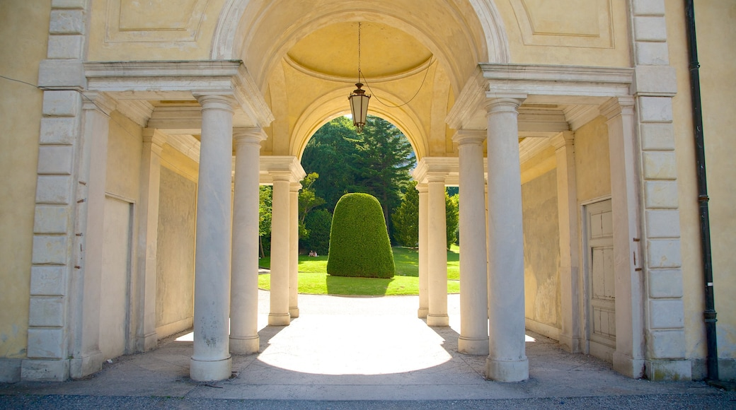 Villa Olmo showing heritage elements, heritage architecture and a garden