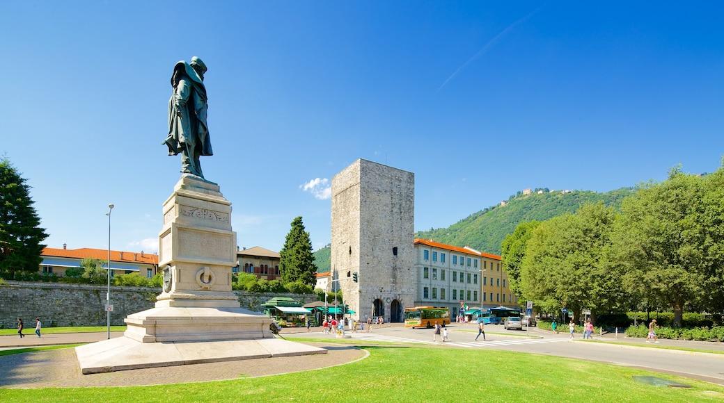 Piazza Vittoria montrant statue ou sculpture, square ou place et monument