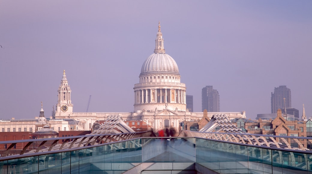 St. Paul\'s Cathedral which includes a city and a church or cathedral